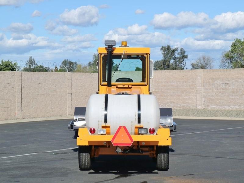 2010 Rosco 4870 Image 3