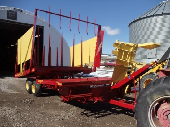 1976 New Holland 1033 Bale Wagon-Pull Type For Sale