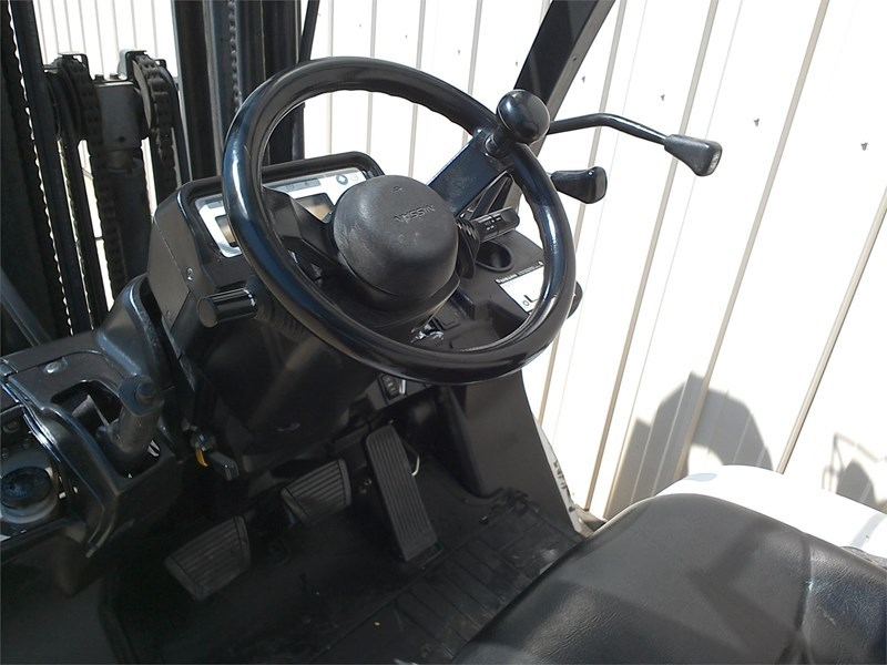2011 Nissan MP1F2A25DV Image 4