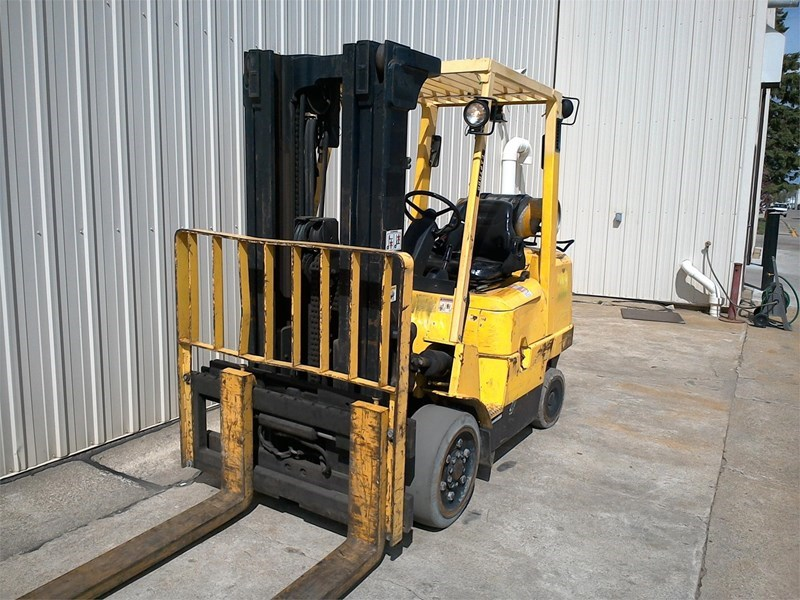 2004 Hyster S80XM Image 2
