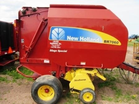 2008 New Holland BR7060 Image 6