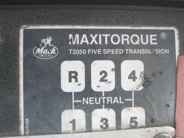 1992 Mack DM690S Image 24