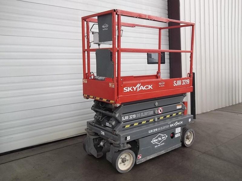 2012 Skyjack SJIII3219 Image 2