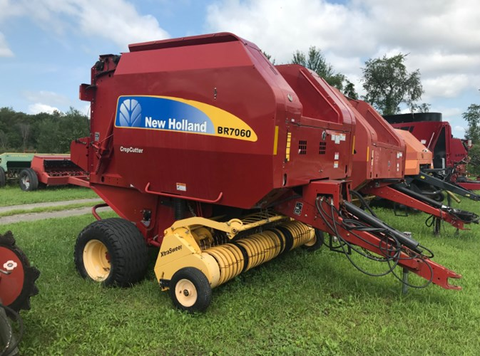 2011 New Holland BR7060 Baler-Round For Sale
