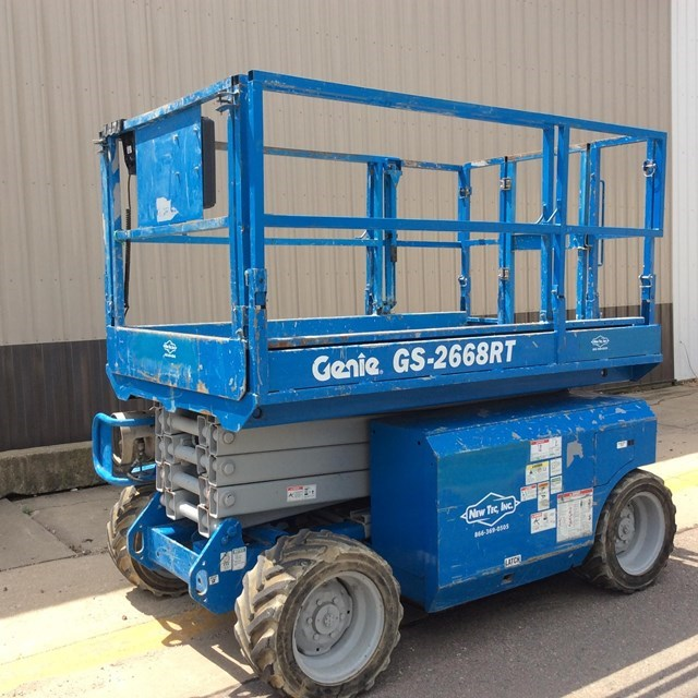2007 Genie GS2668RT Image 2