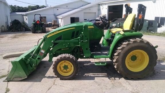 2015 John Deere 3046R Tractor For Sale