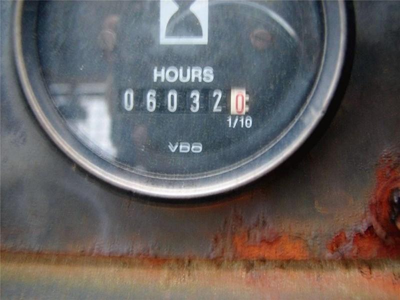 1986 John Deere 655B Image 22