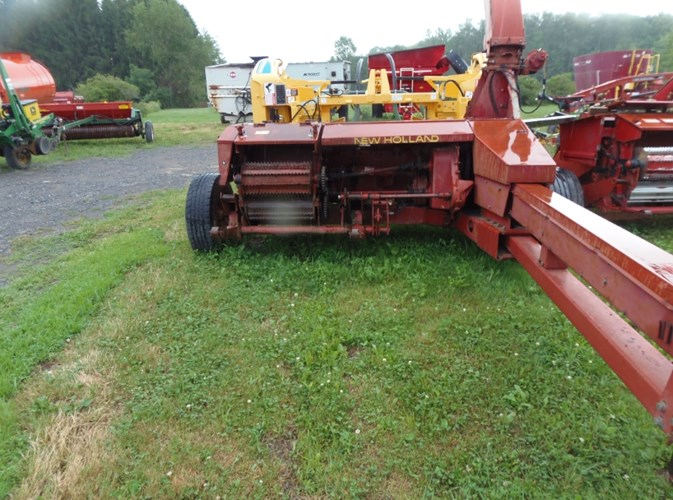 1992 New Holland 900 Forage Harvester-Pull Type For Sale