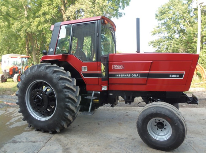 International 5088 Tractor For Sale