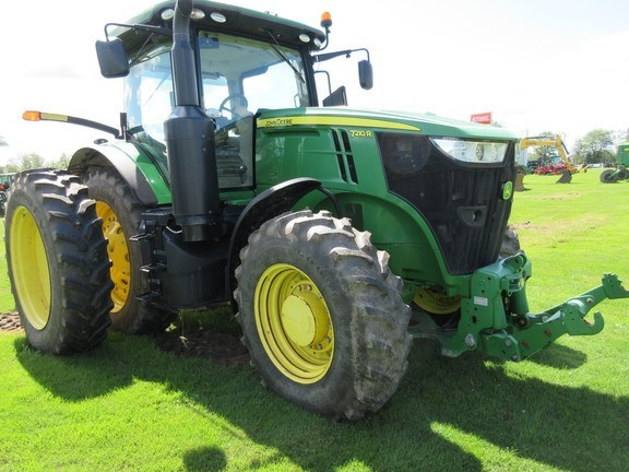 2013 John Deere 7210R Tractor For Sale