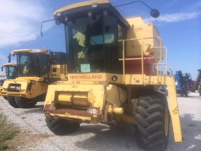 1987 New Holland TR86 Combine For Sale