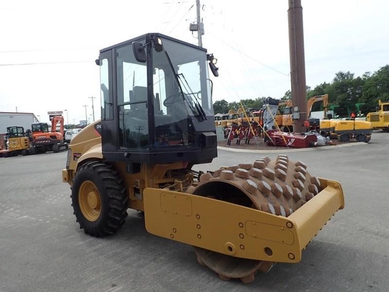 2007 Caterpillar CP-433E Image 12
