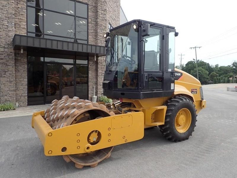 2007 Caterpillar CP-433E Image 18
