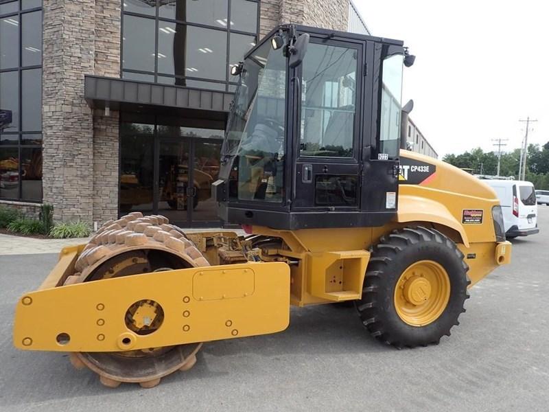 2007 Caterpillar CP-433E Image 19