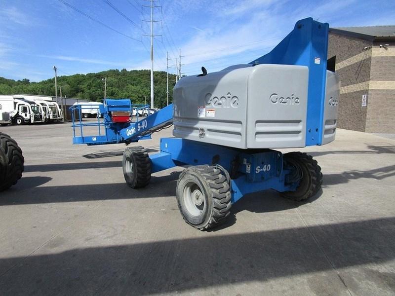 2008 Genie S40 Image 1