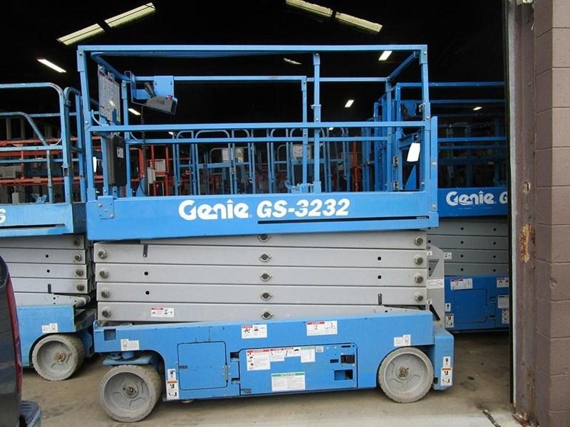 2015 Genie GS3232 Image 1