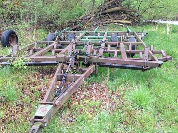 1999 John Deere 722 Field Cultivator For Sale