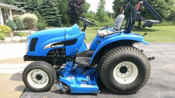 2008 New Holland TC33DA Tractor - Compact Utility For Sale
