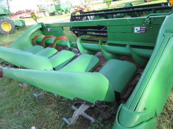 2008 John Deere 606C Combine Header-Corn For Sale