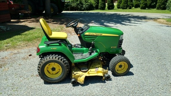 2008 John Deere X729 Lawn Mower For Sale