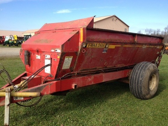 Meyer 2636 Manure Spreader-Dry/Pull Type For Sale