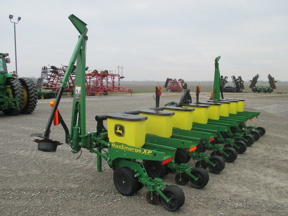 2012 John Deere 1700 Planter For Sale Wm Nobbe Co St Louis