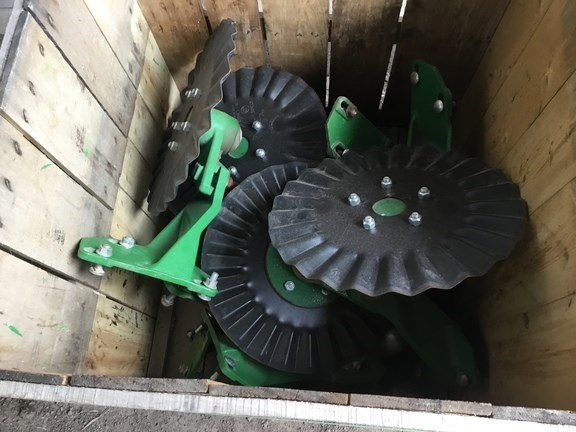 2015 John Deere QTY-8 -   25WAVE NO TILL-COULTERS Image 2