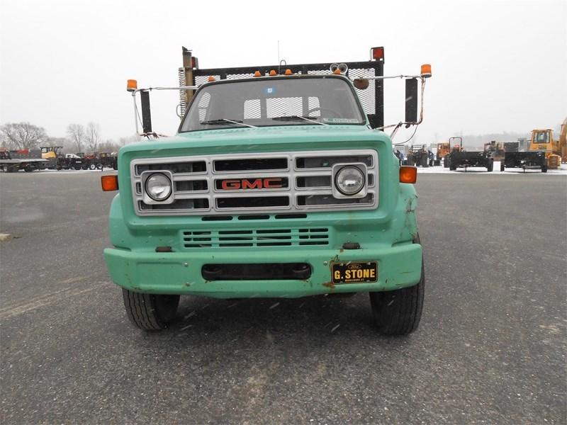 1988 GMC 7000 Image 3