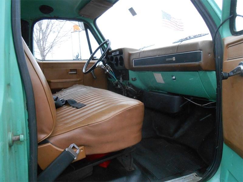 1988 GMC 7000 Image 12