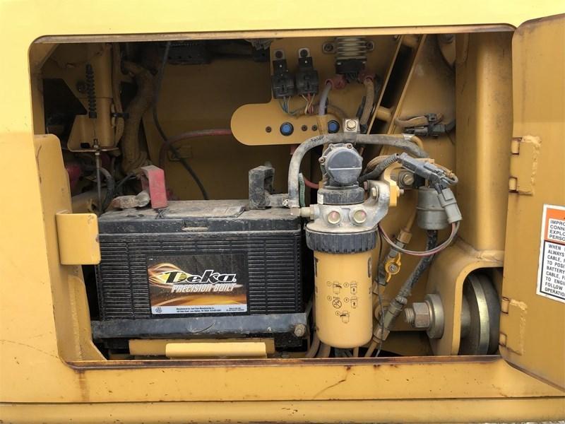 2006 Caterpillar D4G LGP Image 16
