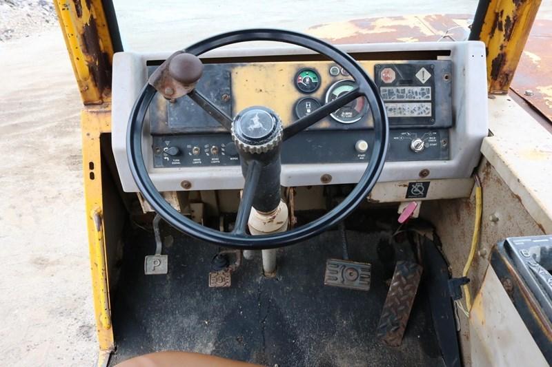 1989 John Deere 862B Image 23