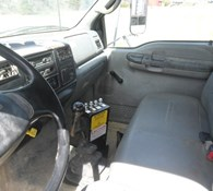 2006 Ford F750 XL Thumbnail 11