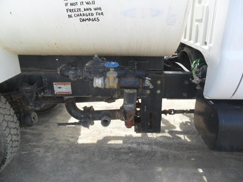 2006 Ford F750 XL Image 15