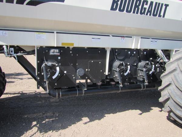 2011 Bourgault 3310-75 Image 8