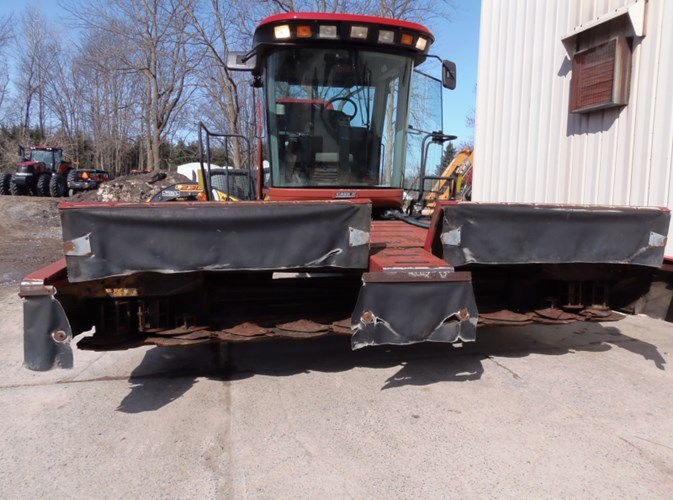 Case IH 8880 Windrower-Self Propelled For Sale