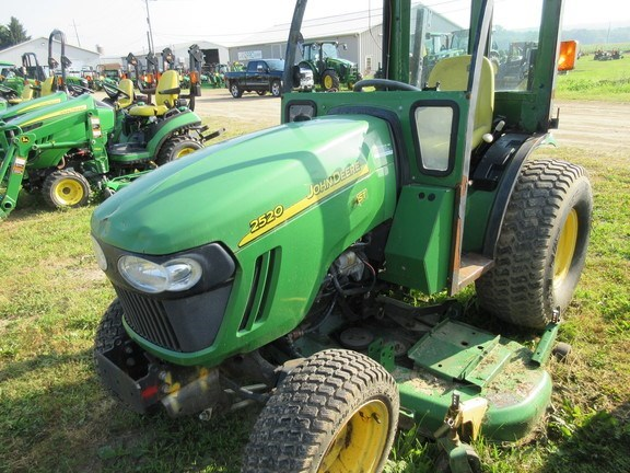 2006 John Deere 2520 Tractor - Compact Utility For Sale