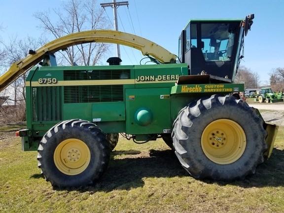 2001 John Deere 6750 Forage Harvester-Self Propelled For Sale