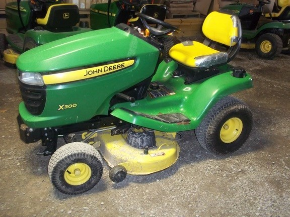 2010 John Deere X300 Lawn Mower For Sale