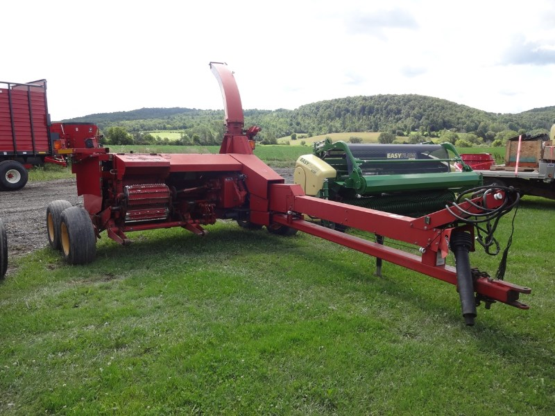 New Holland FP230 Image 1
