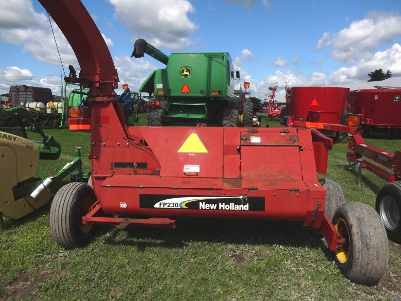 New Holland FP230 Image 5