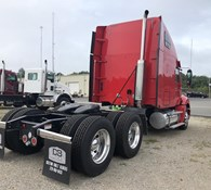 2019 Freightliner COLUMBIA 120 Thumbnail 2