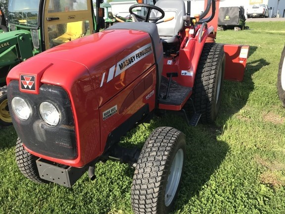 2010 Massey Ferguson 1529 Tractor - Compact Utility For Sale