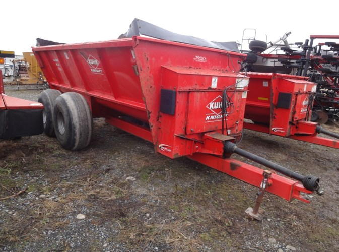 2015 Kuhn Knight 8124 Manure Spreader-Dry/Pull Type For Sale