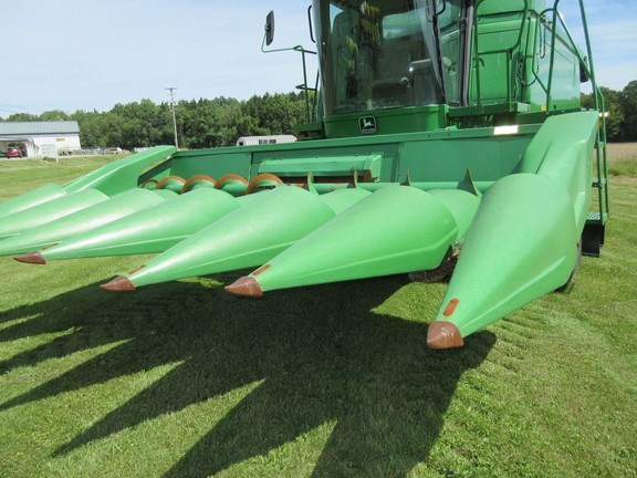 1984 John Deere 643 Combine Header-Corn For Sale