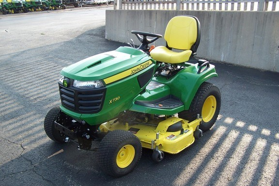 2014 John Deere X730 Riding Mower For Sale