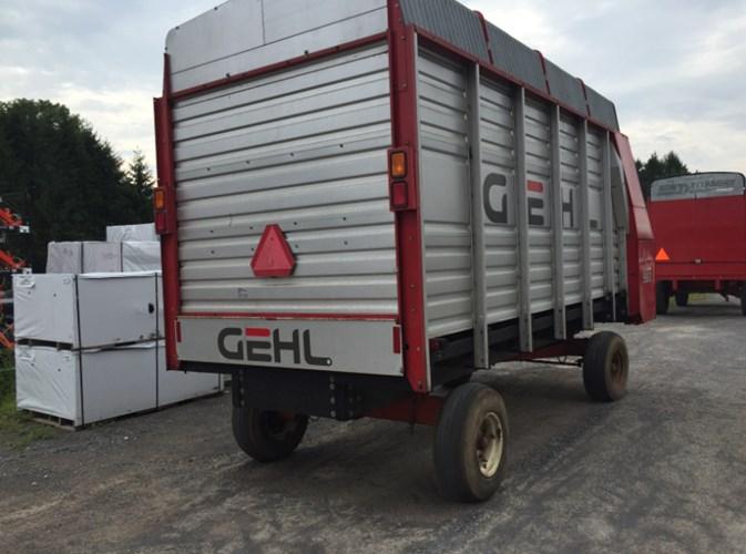 Gehl BU980 Forage Box-Wagon Mounted For Sale