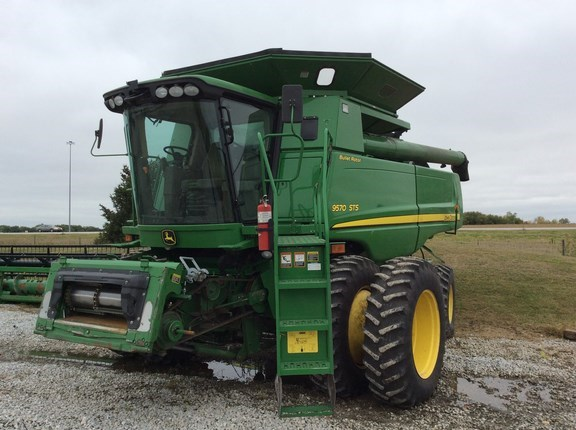 2009 John Deere 9570 STS Combine For Sale