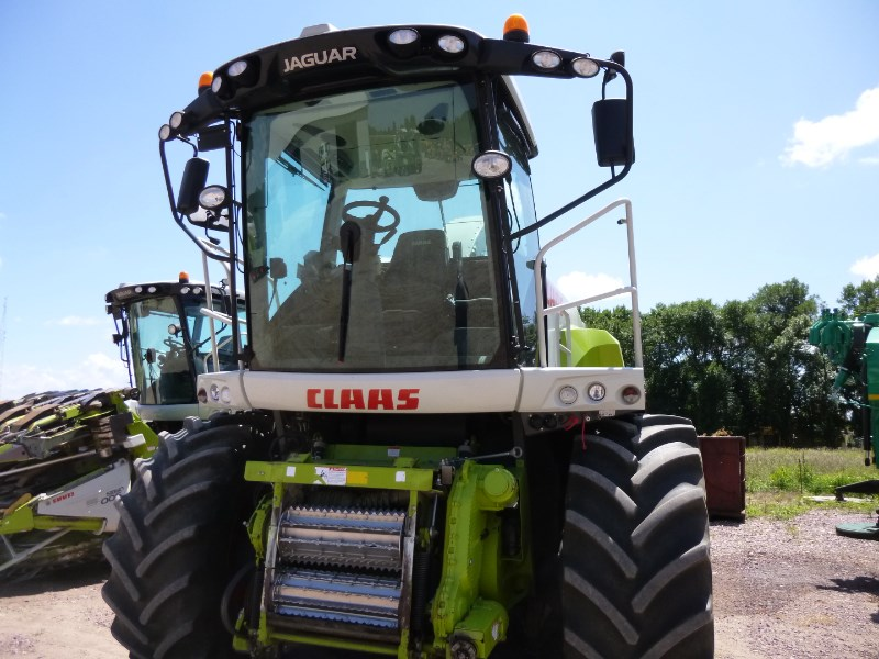 2011 CLAAS 960 Image 2