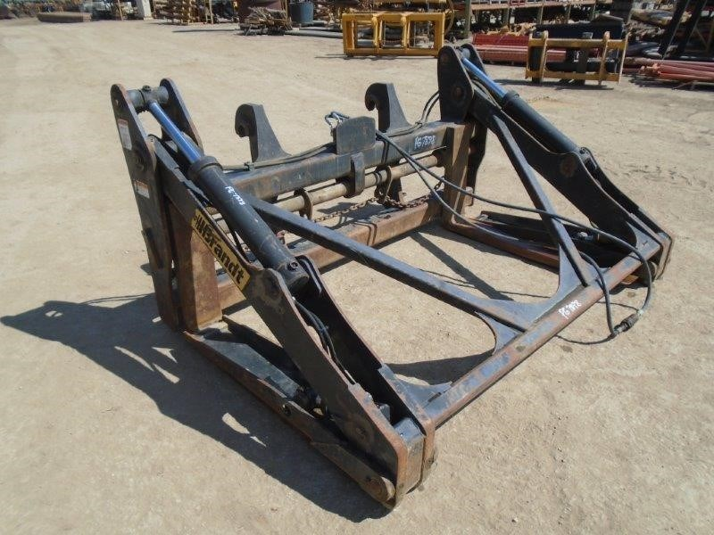Brandt PIPE/POLE GRAPPLE WITH VOLVO LUGS Image 1
