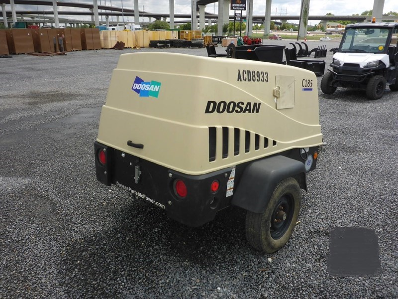 2015 Doosan C185WDZ Image 2